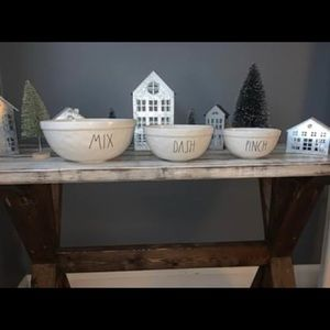 Rae Dunn Mixing Bowl Set